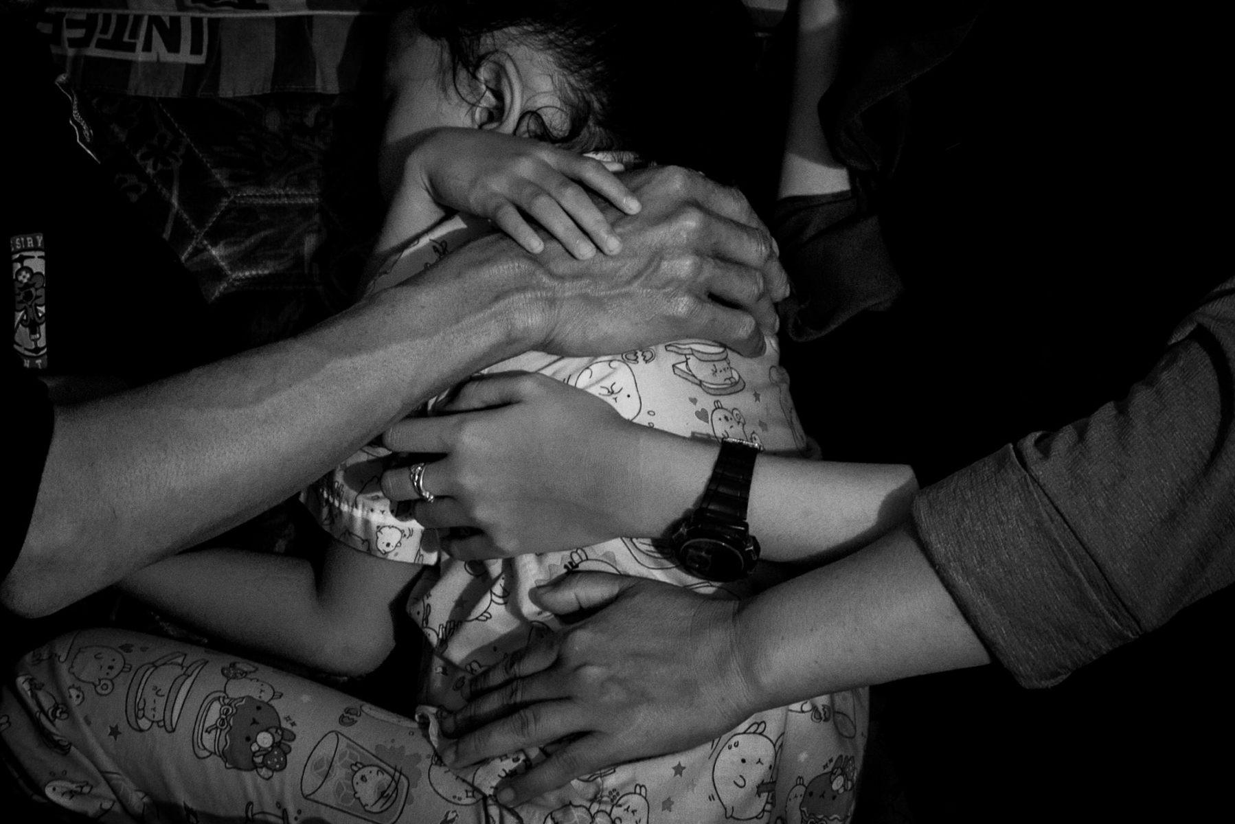 Tumpukan tangan keluarga Nadi Bin Eji alias Amang di rumahnya di kawasan Pondok Ranggon, Jakarta Timur.