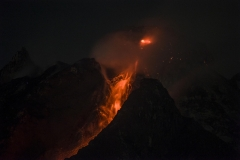 The Sinabung volcano lava dome growth up reaches 4 million cubic tons.